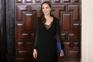 A. Jolie neatmeta galimybės užsiimti politika