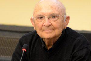 Mirė Holokaustą išgyvenęs žydų rašytojas A. Appelfeldas