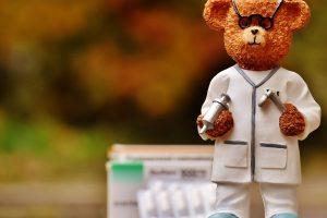 Medikai: didžiausia klaida, kai vaikus gąsdina gydytojais