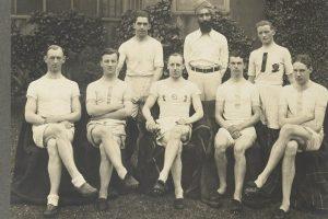 """Olimpinė istorija: nuo asmeninių Hitlerio žaidynių iki """"Kraujo baseine"""""""
