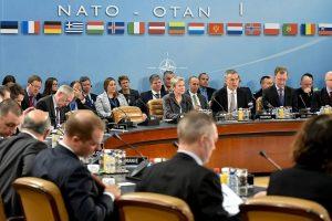 NATO žinia Kremliui: tai – raudona linija, kurios peržengti negalima