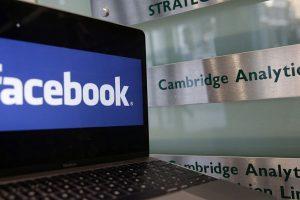 """""""Cambridge Analytica"""" pateikė JAV prašymą dėl bankroto bylos iškėlimo"""