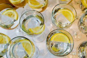 Ar tikrai žinome, kuo skiriasi stalo, šaltinio, mineralinis ar vanduo iš čiaupo?