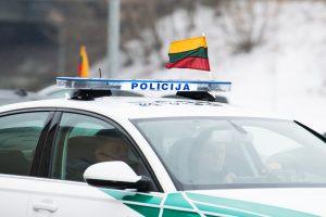 Į areštinę uždarytas vogtą automobilį vairavęs jaunuolis