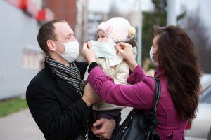 Vaistininkai: medicininės kaukės perkamos šimtais