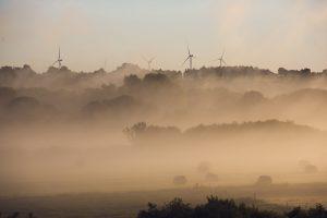 Eismo sąlygas Lietuvoje vietomis sunkina rūkas