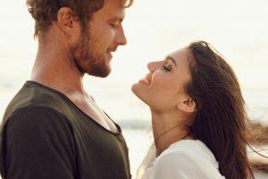 Per stipriai mylinčios moterys: kaip išsivaduoti iš priklausomų santykių?