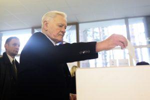 V. Adamkus: savivaldybių politikai turi reaguoti į naujai iškylančias problemas