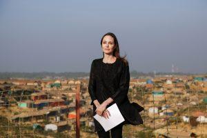 A. Jolie apsilankė pabėgėlių stovyklose: toks elgesys užtraukia gėdą mums visiems
