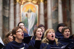 """Tarptautiniame festivalyje moterų choras """"Liepos"""" pelnė ne vieną medalį"""