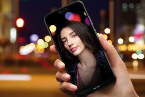 """""""Huawei P20 lite"""" – jaunesnysis flagmanų brolis dinamiškiems profesionalams"""