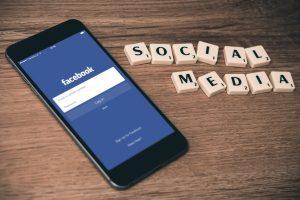 """Tyrė įmonių komunikaciją: kaip verslui gauti realios naudos iš """"Facebook""""?"""