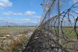 JK žadant iš kalėjimų paleisti dešimtis ekstremistų – nauji kovos su terorizmu planai