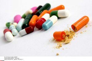 Bakterijos darosi atsparios antibiotikams: ką daryti?