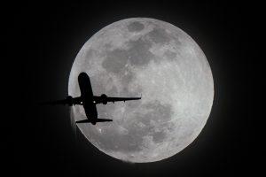 NASA vėl siųs žmones į Mėnulį: šį kartą pasiliksime