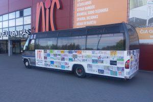 Utenos vaikų dovana miestui – gatvėmis riedantis linksmasis autobusas