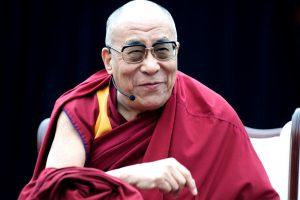 20 Lietuvoje viešėsiančio Dalai Lamos citatų apie laimę
