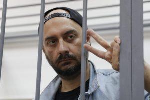Kanuose ovacijomis sutikta namų arešte laikomo režisieriaus K. Serebrenikovo juosta