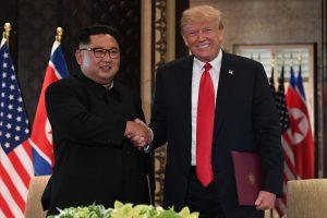 Kas įvyko per istorinį D. Trumpo ir Kim Jong Uno susitikimą?