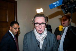 Nobelio premijų skandalo veikėjas už išžaginimą nuteistas kalėti dvejus metus