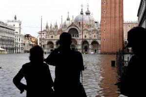 Vanduo užliejo Veneciją: per potvynį užtvindyta 70 proc. miesto teritorijos