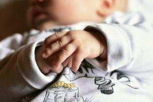 Keisčiausias mokslo mitas: ar kūdikiai jaučia skausmą?