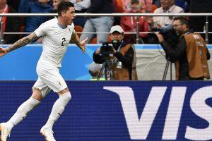 Vėlyvą įvartį pelnęs Urugvajus iškovojo pirmąją pergalę pasaulio futbolo čempionate