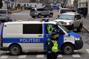 Estijos policija šūviais stabdė automobilių vagystėmis įtariamą Lietuvos pilietį