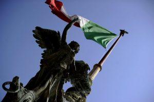 Euro zonos ministrai rengiasi mūšiui dėl Italijos biudžeto