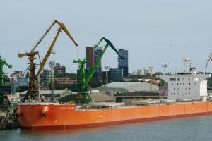 Klaipėdos uoste vėl atnaujinama laivyba