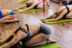 Žvaliam rytui – kūną pažadinantys pratimai