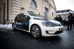 Prancūzijoje dingo šarvuoto furgono vairuotojas ir milijonas eurų