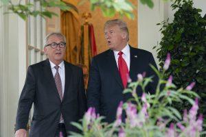 Pareigūnai: JAV nori paspartinti prekybos derybas su Europos Sąjunga