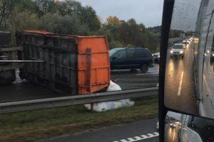 Spūstis Kauno aplinkkelyje padidino avarija