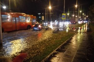Potvynio neišvengė ir Kaunas: apsėmė gatves