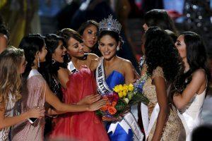 """Naująja """"Mis Visata"""" po apmaudžios klaidos tapo """"Mis Filipinai"""""""