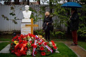 Serbai rinkosi paminėti S. Miloševičiaus mirties 10-ųjų metinių