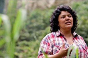 Hondūre nužudyta garsi kovotoja už aplinkos apsaugą