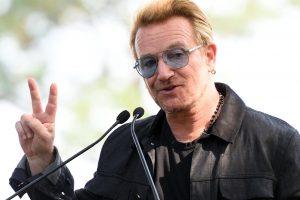 """Grupės U2 lyderis investavęs į """"Facebook"""" tapo turtingiausia pasaulyje žvaigžde"""