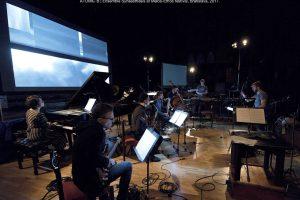 """Šiuolaikinės muzikos ansamblis """"Synaesthesis"""" pristato projektą """"Atomic B"""""""