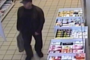 Piniginę pavogė nuo vaistinės prekystalio (padėkite surasti)