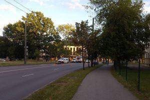 K. Petrausko gatvėje motociklininkas rėžėsi į medį