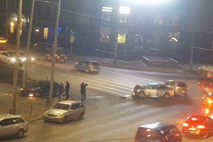 Kaune – kaip kine: avarijos vietoje sulaikyti ir du užpuolikai