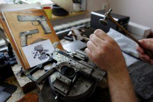Pagėgių gyventojo namuose rasta įvairių šaunamųjų ginklų