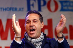 """Austrijos kraštutinių dešiniųjų lyderis –""""švarus"""" nuo narkotikų"""