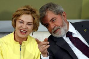Po insulto mirė buvusio Brazilijos prezidento žmona