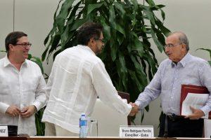 Kolumbijos vyriausybė ir sukilėliai pasirašė naują taikos sutartį