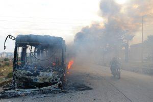 Padegti į Alepą važiavę evakuacijos autobusai
