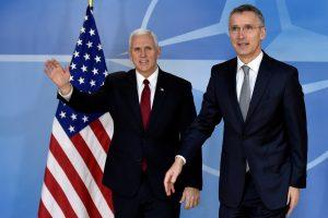 J. Stoltenbergas: didesnės išlaidos gynybai – esminė sąlyga ryšiams su JAV