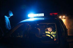 Kauno picerijoje sulaikytas peiliu grasinęs vyras